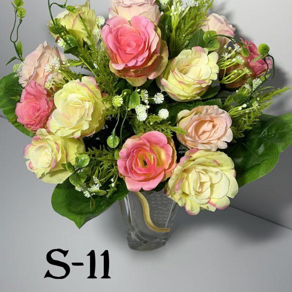 Искусственный букет S-11,Розы с пластмассовыми украшениями