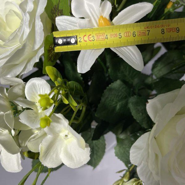 Искусственный букет S-7, Розы с плюмериями и пластмассовыми украшениями